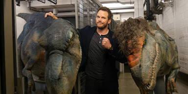 Dino erschreckt Chris Pratt