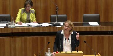 FPÖ-Abgeordnete provoziert
