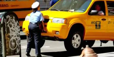 Polizistin bestraft Falschparker unkonventionell