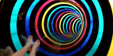Wasserrutsche mit LED-Feuerwerk