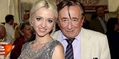 Lugner und Spatzi: TV- Stars in England!