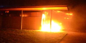 NÖ: Brand auf Rastplatz