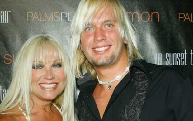 Hogans Ex datet 19-Jährigen