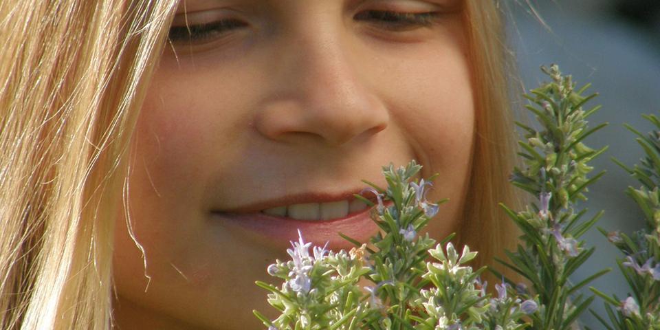 Kvarner - ADV - Bild 16 - Frau, Kräuter - 960x480