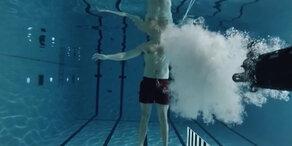 Waffe unter Wasser abgefeuert
