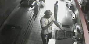 Einbrecher grillt sich Burger