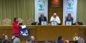 Papst ehrt Clooney, Hayek und Gere