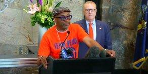 Spike Lee warnt vor Waffengewalt