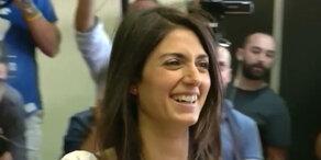 Raggi zur ersten Bürgermeisterin Roms gewählt