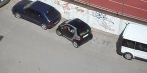SIE sollte besser Einparken üben