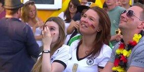 Fans feiern deutsche Fußball-Mannschaft