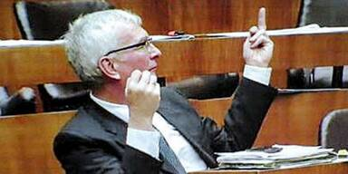 Stinkefinger-Skandal um FP-Politiker