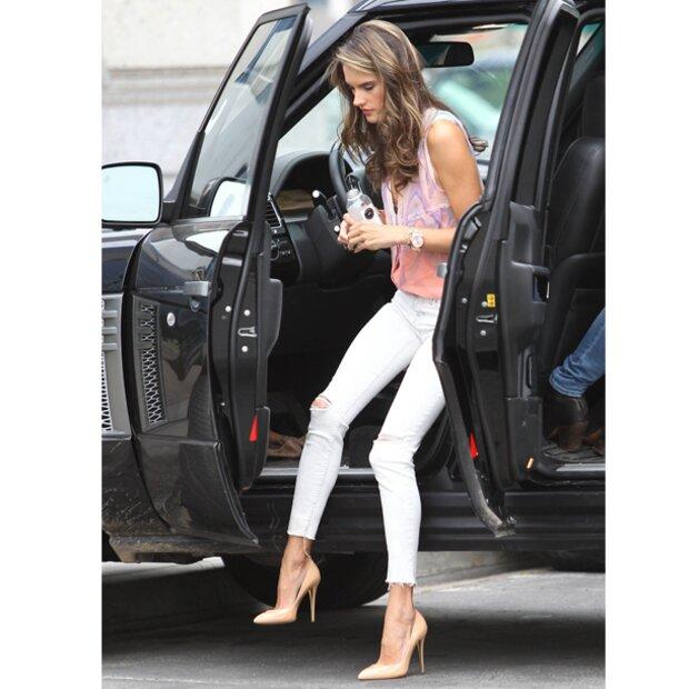 AmbrosioSo Fährt Topmodel Alessandra Ein Auto oeWrdCxB