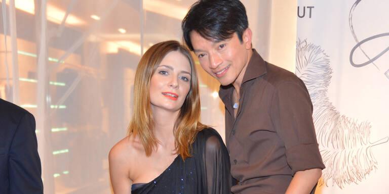 Mischa Barton begeistert bei La Hong Eröffnung