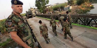 170806_EPA_Libanon_Litani_Fluss_Soldaten_Panzer_Br?cke_konsole