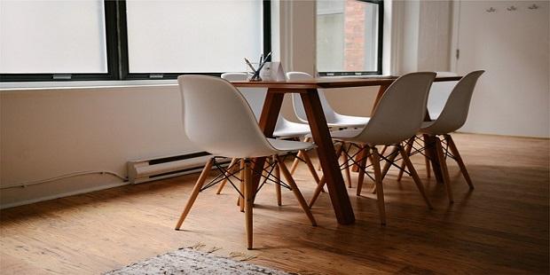 17492_Abbildung 1_Tisch und Stühle.jpg
