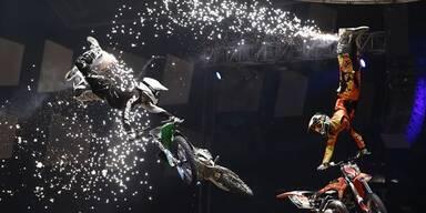 Masters of Dirt: Die heißesten Stunts!