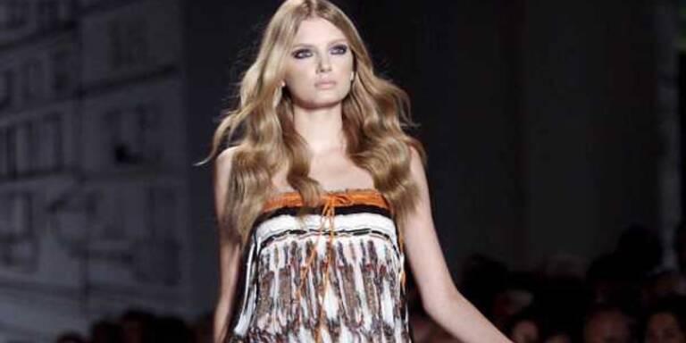 Mit 70ies Looks feierte Gucci den 70er