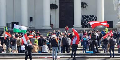 Elf Festnahmen und zahlreiche Anzeigen bei Demos in Wien