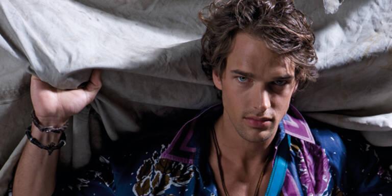 Michael Gstöttner - Gewinner des MADONNA Model Contests 2008, Shootings für Bally, Zara, Ermanno Scervino, Braun, Calzedonia, Don Gil.