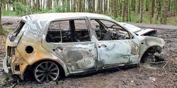 Alkolenker fackelte Auto bei Unfall ab