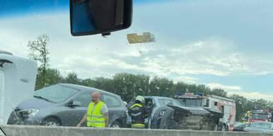 Stau-Chaos nach Unfall auf der A22
