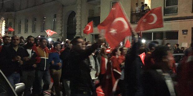 Wien: 4000 Demonstranten vor türkischer Botschaft