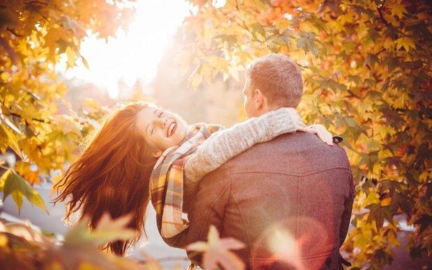 So wirken Herbstdüfte auf deinen Partner