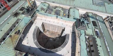 Parlament: 1. Blick auf die Baustelle