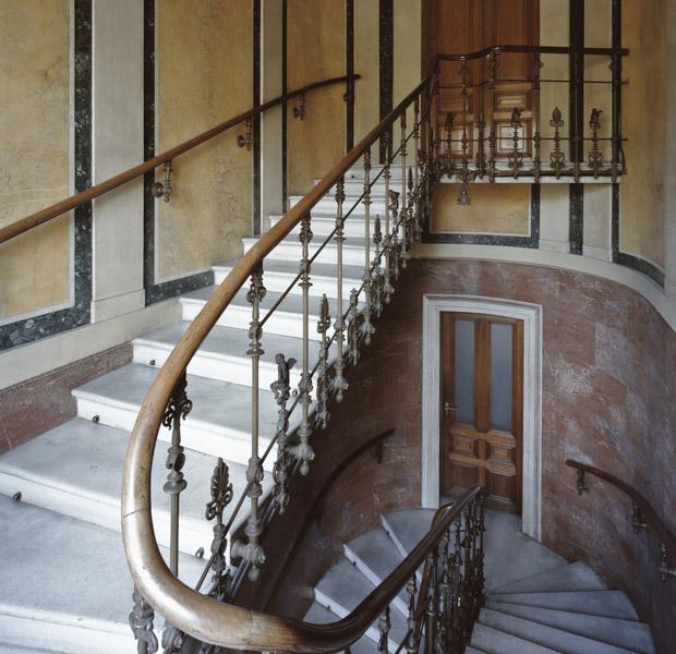 Stiegenhaus Parlament Diebstahl