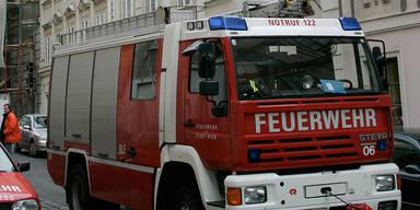 Frau stirbt bei Brand in Einfamilienhaus in Wien