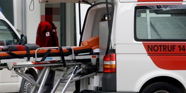 Horror-Crash in OÖ: Auto von Zug erfasst