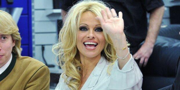 Pamela Anderson: Im April kommt sie wieder