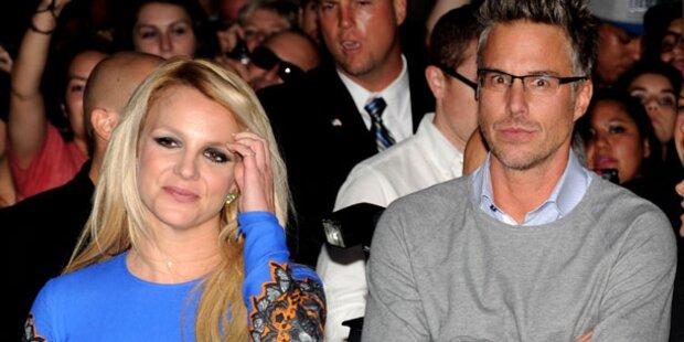 Spears: Trawick fühlt sich wie ihr Babysitter