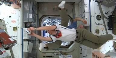 WM-Fieber im Weltraum