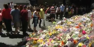 Blumen zum Gedenken an Opfer