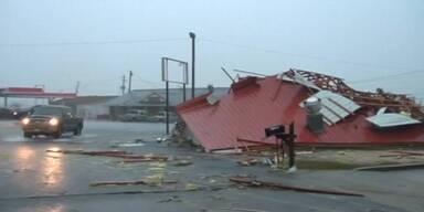 Mehrere Todesopfer durch Tornados