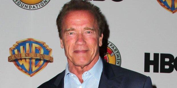 Arnie kommt im Panzer