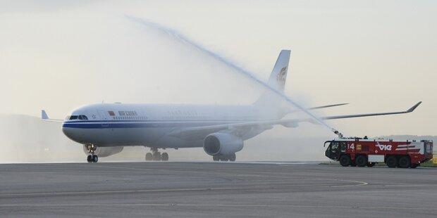 Feuerwehr löscht falsches Flugzeug