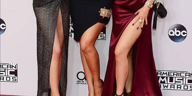 AMAs: Kendall Jenner, Khloe Kardashian, Kylie Jenner