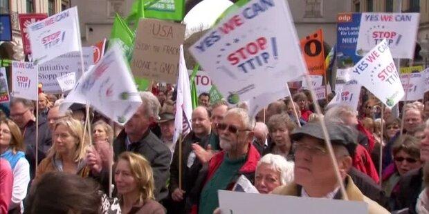 Rom: Zehntausende Demonstranten gegen TTIP