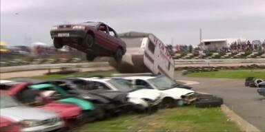 Car Jumper im Überflug