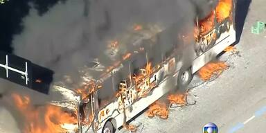 Brennende Busse in Rio de Janeiro
