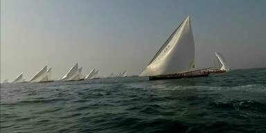 Traditionelle Dau-Regatta vor Dubai