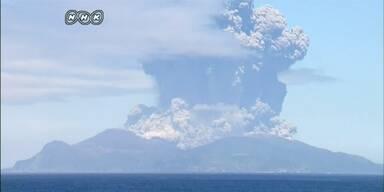 Insel nach Vulkanausbruch evakuiert