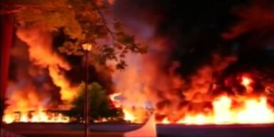 Inferno im Garten nach Tanklaster-Unfall