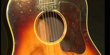 Gitarre von Beatles wird versteigert