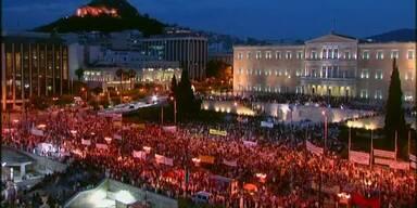 Demonstranten: Tsipras soll nicht nachgeben