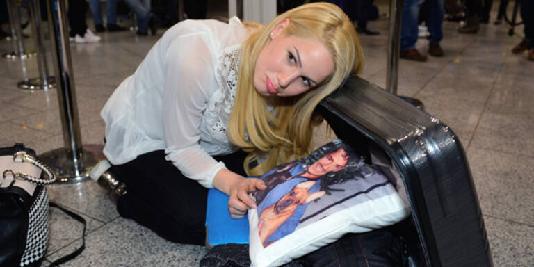 Angelina Heger ohne Koffer gelandet