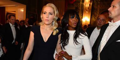 Opernball: Naomi als Überraschung